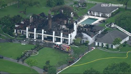 Fire destroys mansion at White House Ranch in Friendswood